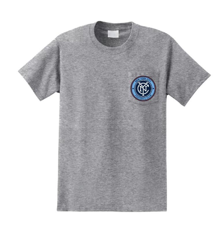 Футболка с карманом и логотипом